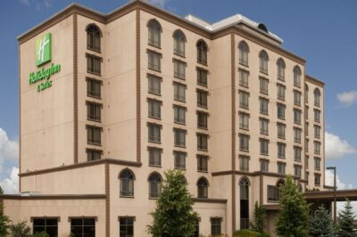 holiday-inn-hotel-and-suites-mississauga